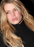 Jessica Simpson lips need more stuffing