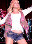 Jessica Simpson works in daisy dukes